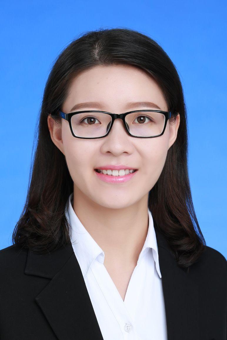 龚青华  律师